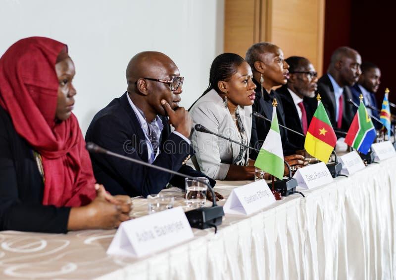 变化人代表国际会议合作 库存图片