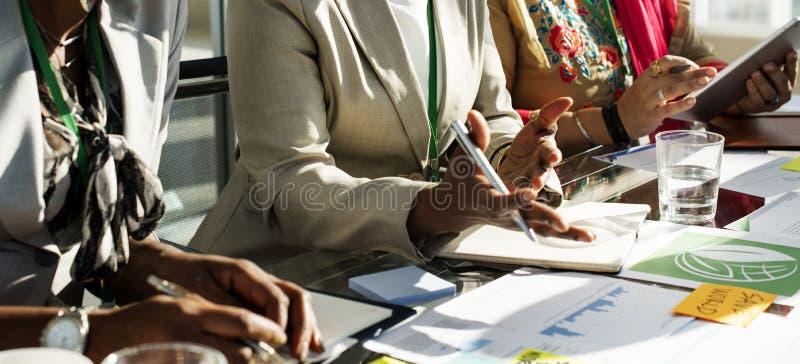 变化人谈国际会议合作 库存图片