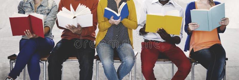 变化人阅读书启发概念 图库摄影