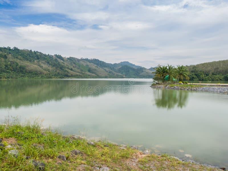 变紧密的具体水坝在泰国 库存图片
