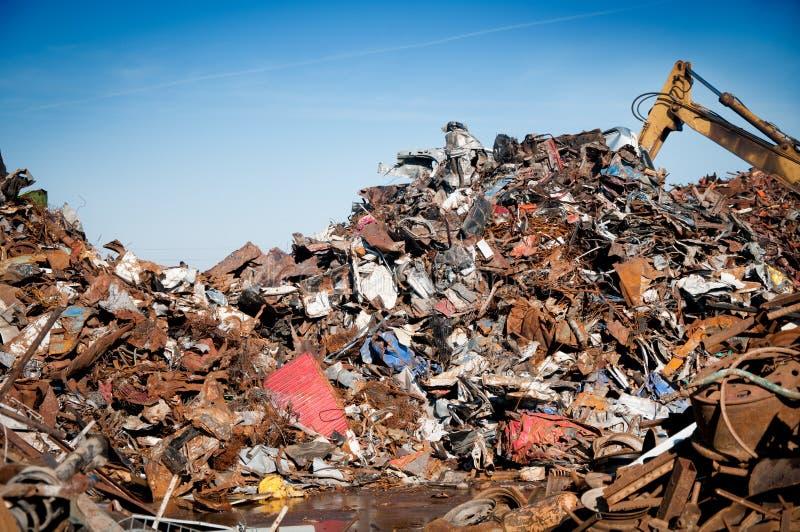 变紧密的铁金属回收报废 库存图片