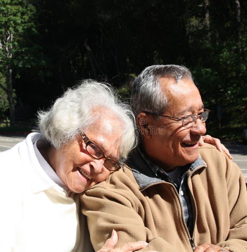 变老的夫妇前辈 免版税库存图片