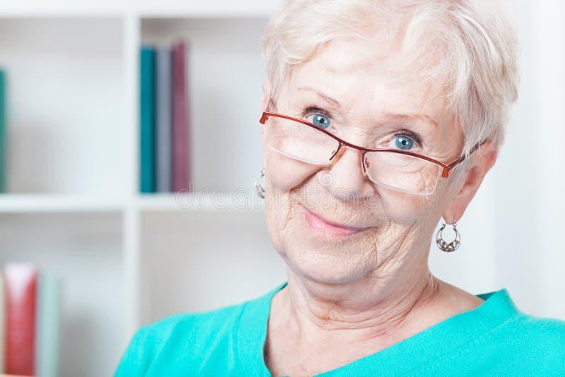 变老的妇女 免版税库存照片