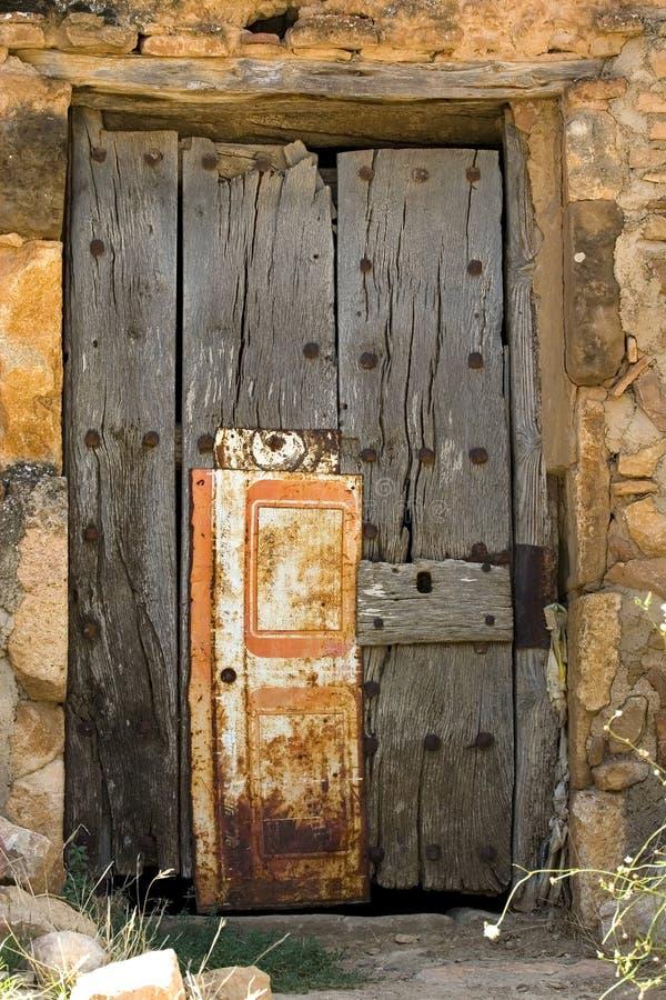 变老的门 库存照片