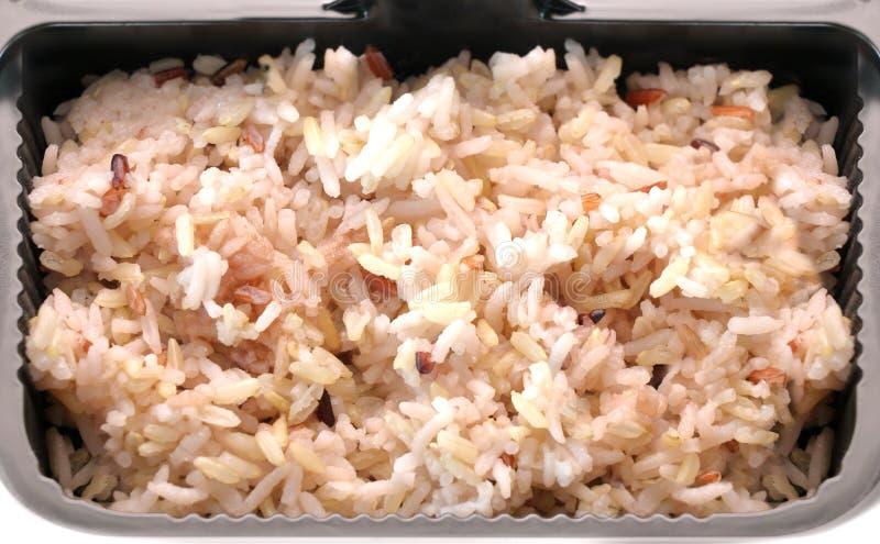 变褐煮熟的米 库存照片