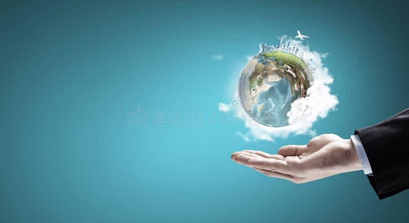 变褐环境叶子去去的绿色拥抱本质说明说法口号文本结构树的包括的日地球 com概念小雕象图象其它正确的常设文本 库存照片