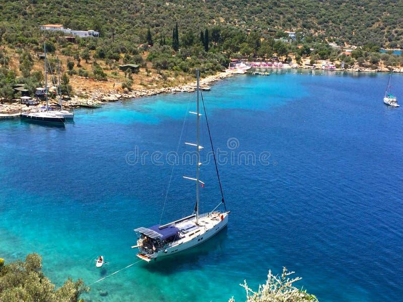 口岸和游艇在Adrasan 免版税库存照片