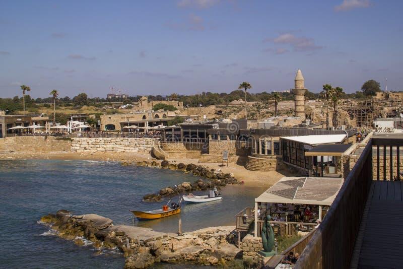 口岸在凯瑟里雅 对所有家庭的吸引力 以色列 免版税库存照片