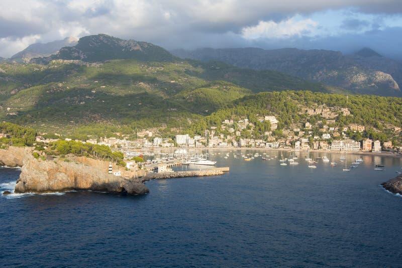 口岸索勒,马略卡,巴利阿里群岛,西班牙鸟瞰图  免版税库存照片