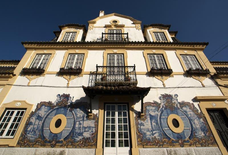 口岸酿酒商的房子的门面在Azeitao -葡萄牙 库存照片
