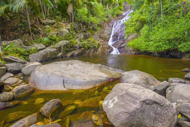 口岸Glaud瀑布,塞舌尔群岛 免版税库存照片