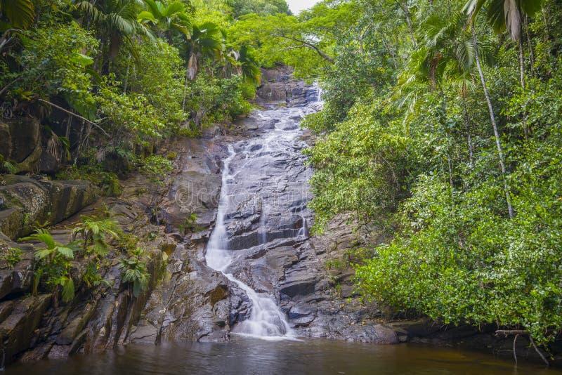 口岸Glaud瀑布,塞舌尔群岛 免版税库存图片