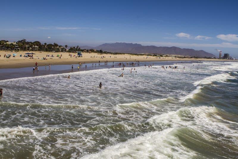 口岸Hueneme海滩波浪 免版税库存照片
