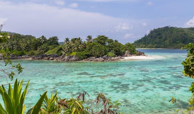 口岸Mahe的塞舌尔群岛Glaud盐水湖 图库摄影