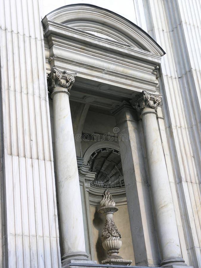 古典入口 免版税库存图片