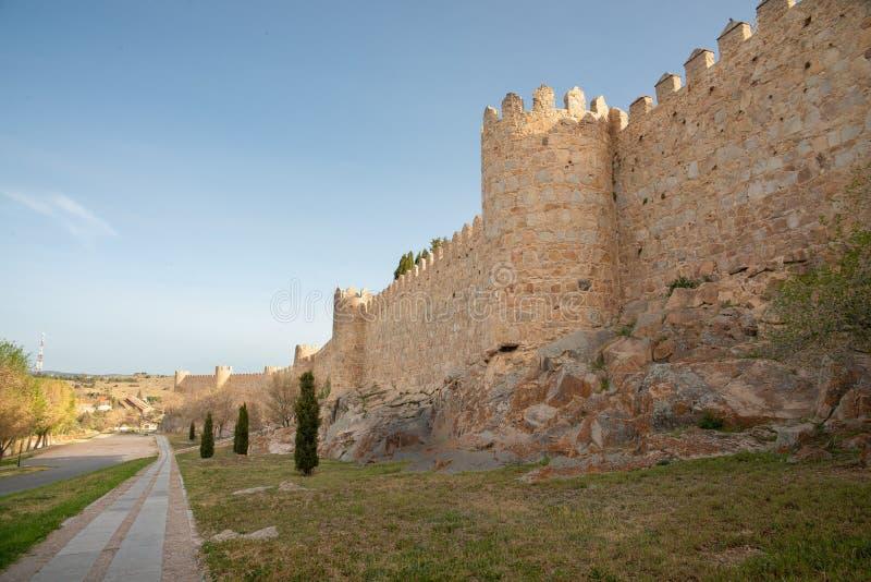 古城墙壁在阿维拉,西班牙老  免版税库存图片