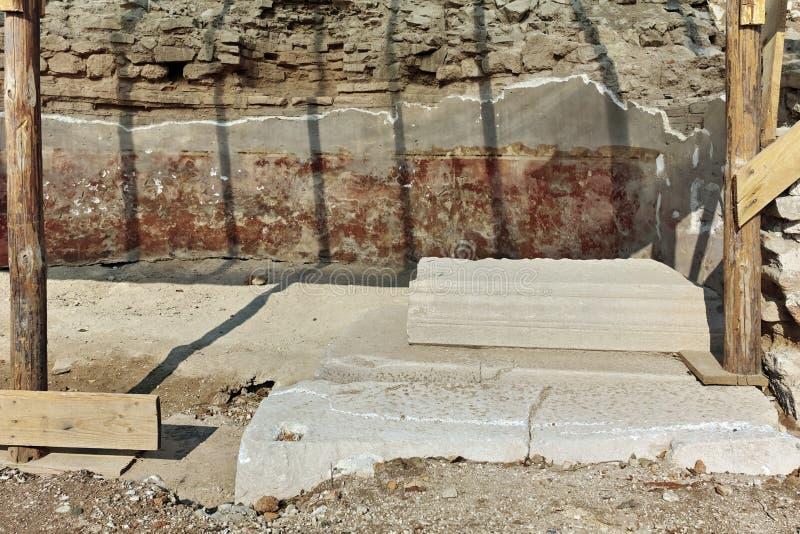 古城Heraclea Macedon的腓力二世-修造的Sintica废墟  库存图片