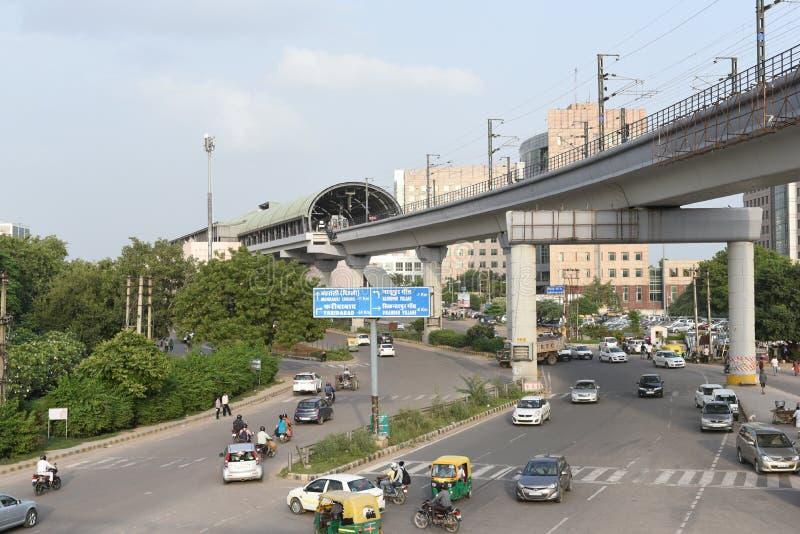 古尔冈,德里,印度:2015年8月22日:现代对公众的基础设施提供的更好的连通性 免版税库存照片