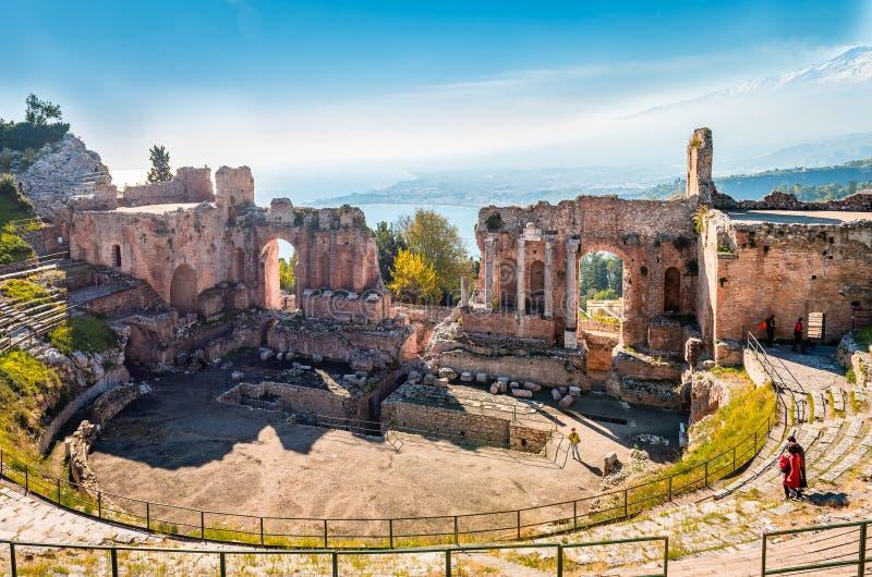 古希腊剧院在陶尔米纳 免版税库存照片