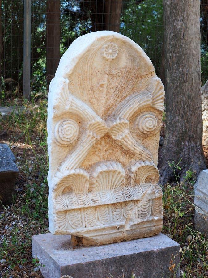 古希腊大理石殡葬石头,特尔斐,希腊 免版税图库摄影