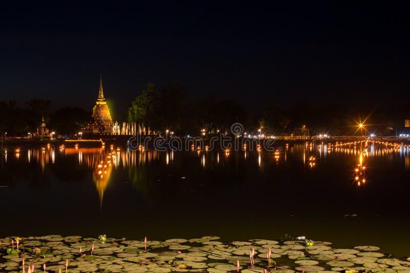 古庙在晚上 免版税库存照片