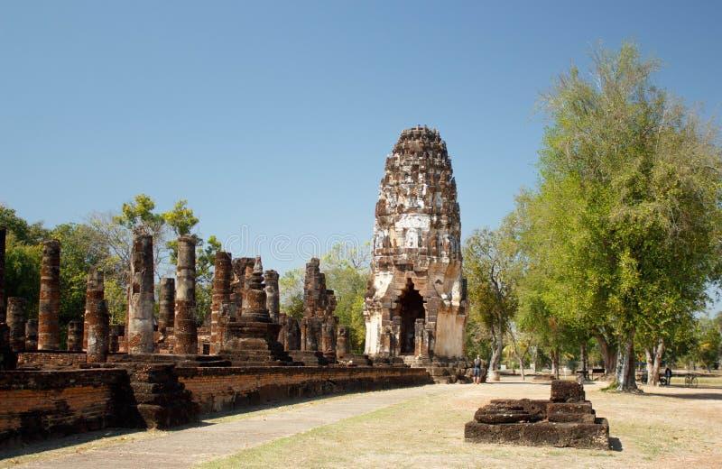 古庙wat Ayuthaya省阿尤特拉利夫雷斯历史公园Chaiwatthanaram的部分  免版税图库摄影