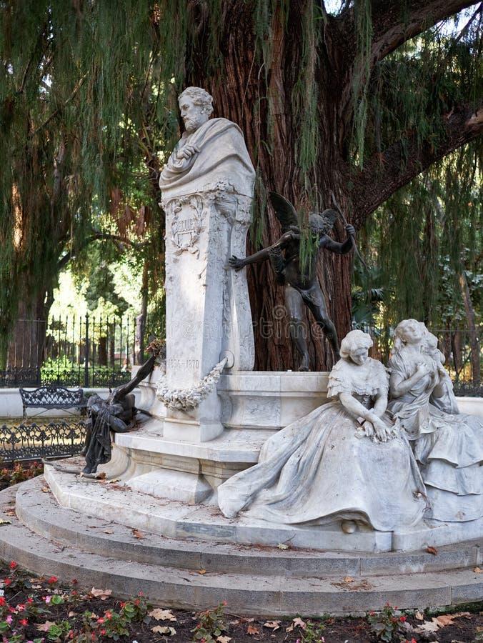 古斯塔沃阿道福Becquer纪念碑在塞维利亚 免版税库存照片