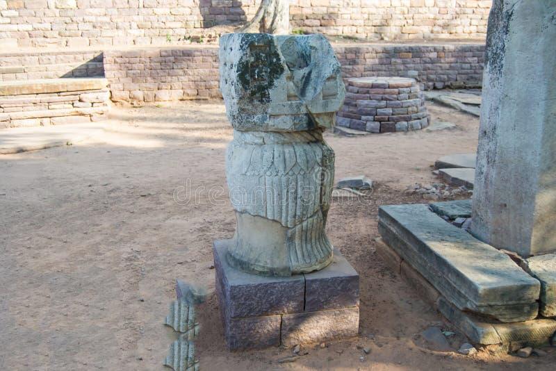 古普塔朝代时代小狮子柱子在印度 免版税库存照片