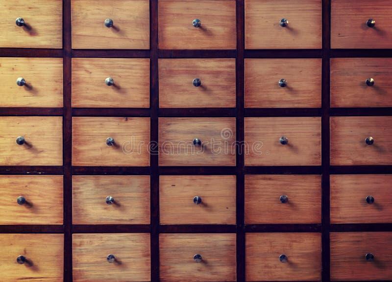 古板的图书证编目 文件柜存贮 免版税库存图片