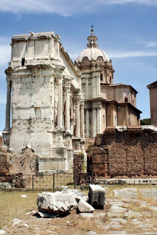 古罗马广场古老废墟在罗马,意大利 图库摄影