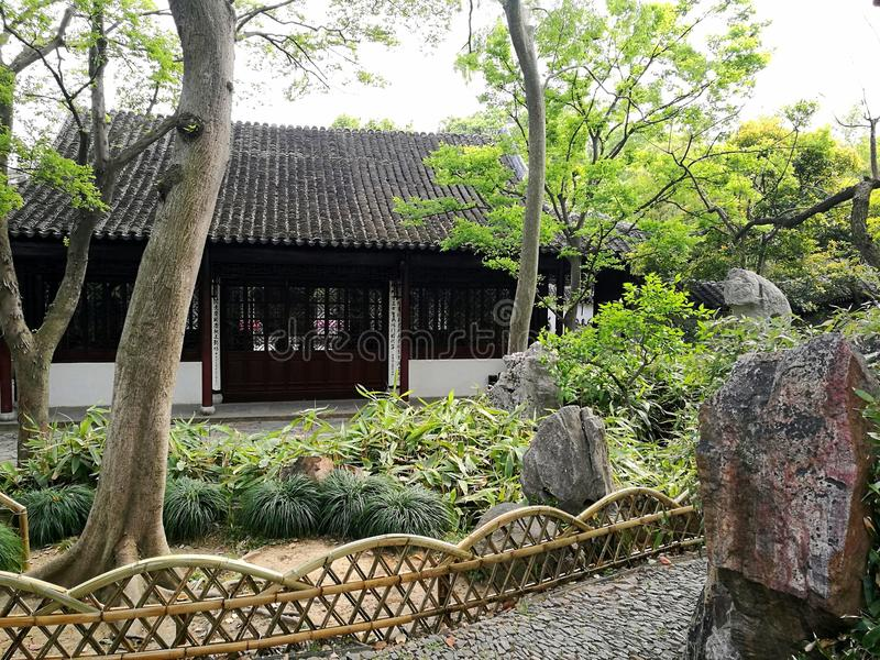 古老中国庭院和房子 免版税图库摄影