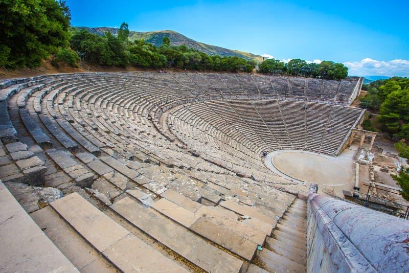古老剧院在埃皮达鲁斯, Argolida,希腊 免版税库存照片