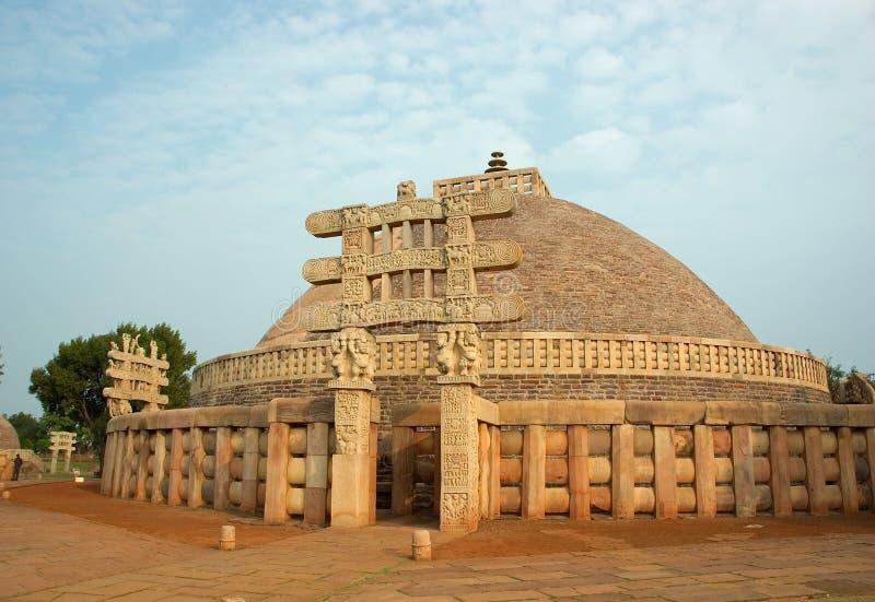 古老印度sanchi stupa 免版税库存图片