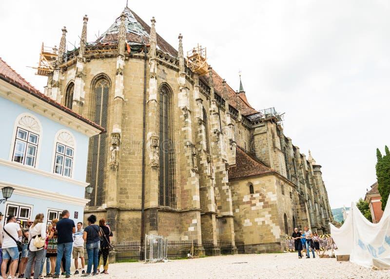 古老哥特式黑人教会在布拉索夫,罗马尼亚 古老欧洲建筑学 著名旅游地标 免版税库存图片