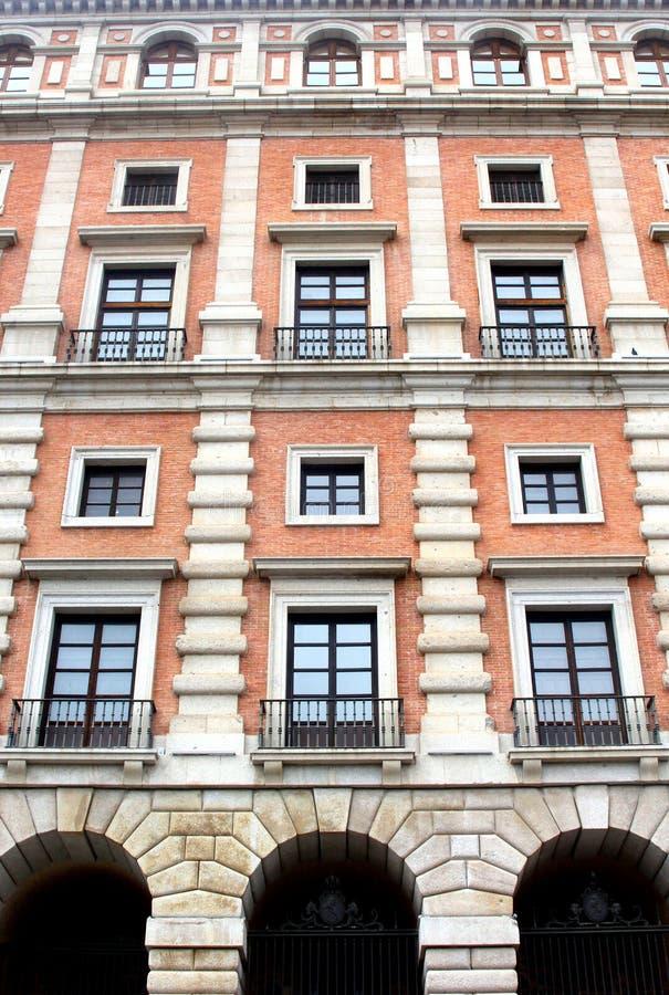 古老图书馆建筑在托莱多(联合国科教文组织),西班牙 免版税库存图片