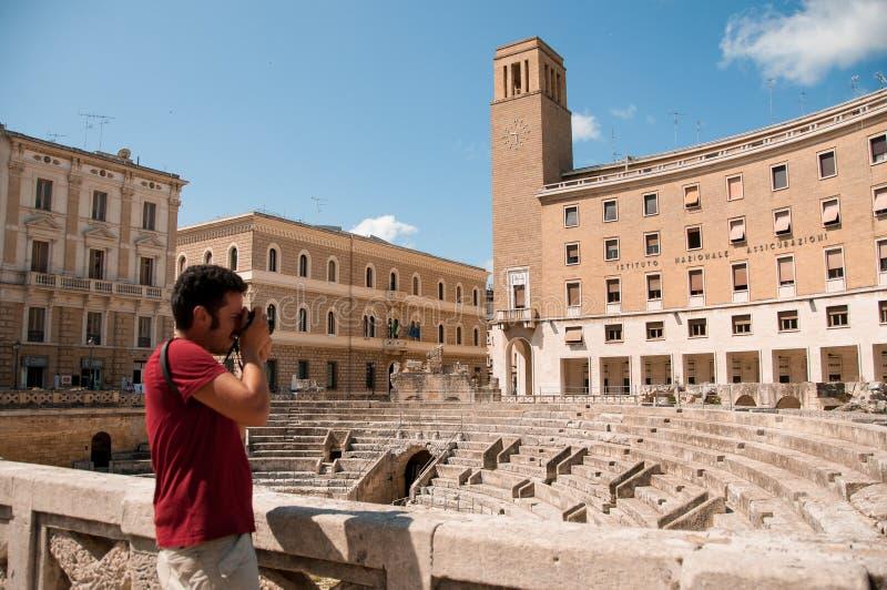 古老圆形剧场在城市莱切,意大利 免版税库存照片
