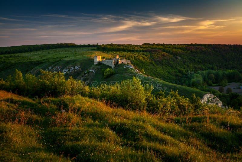 古老城堡废墟 免版税库存图片