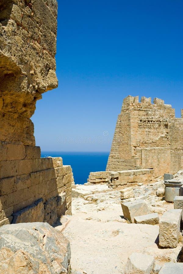 古老城堡废墟 免版税库存照片