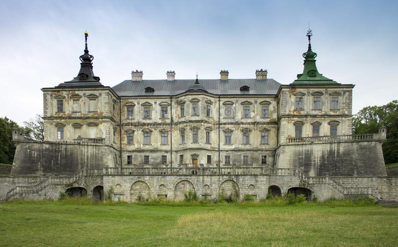 古老城堡照片在Pidhirtsi,乌克兰- 2018年7月 Podgoretskiy Zamok 图库摄影
