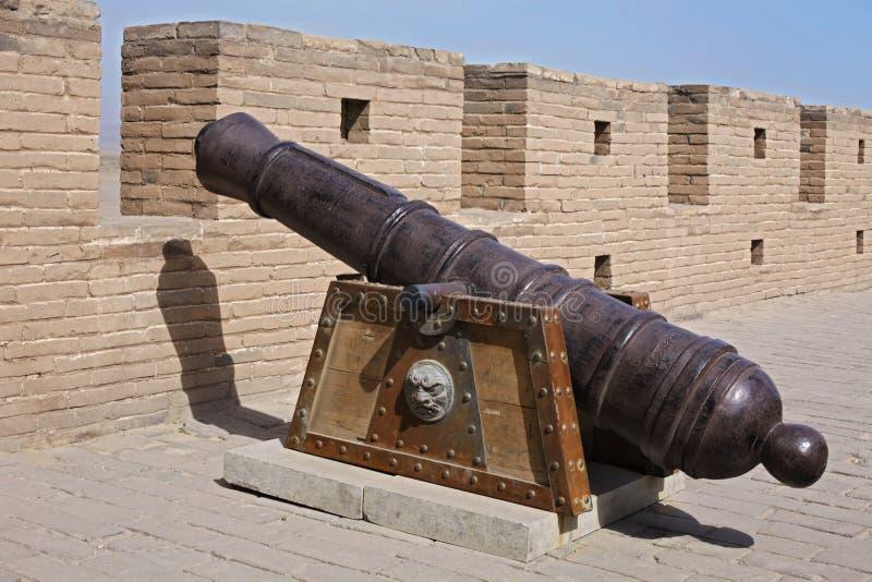 古老大炮脊椎 免版税库存照片