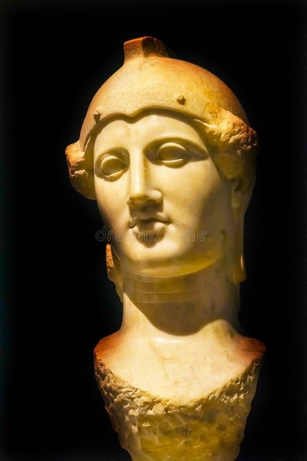 古老大理石女神雅典娜雕象全国考古学Mus 库存照片