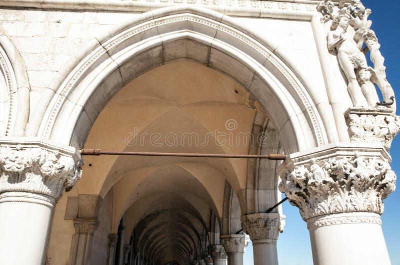 古老威尼斯式曲拱特写镜头 库存照片