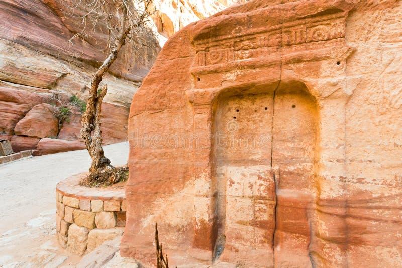 古老峡谷适当位置petra siq墙壁 免版税图库摄影