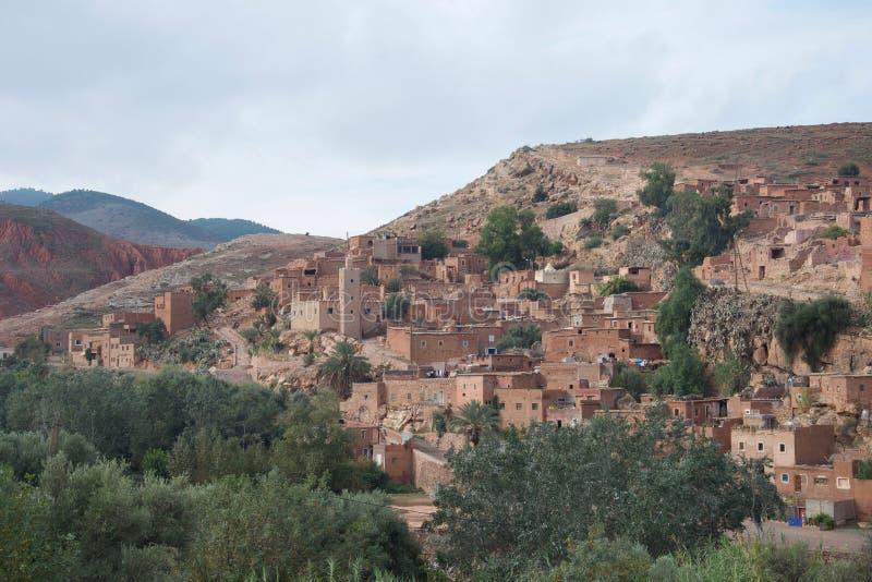 古老巴巴里人村庄在摩洛哥的阿特拉斯山脉 库存图片