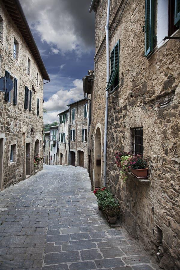 古老巷道(Montalcino。托斯卡纳,意大利) 库存照片