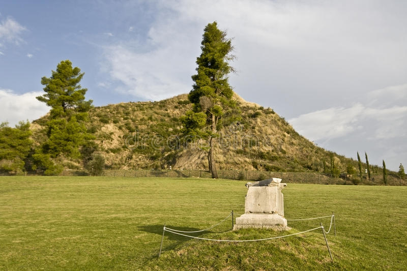 古老希腊小山kronios奥林匹亚 库存照片