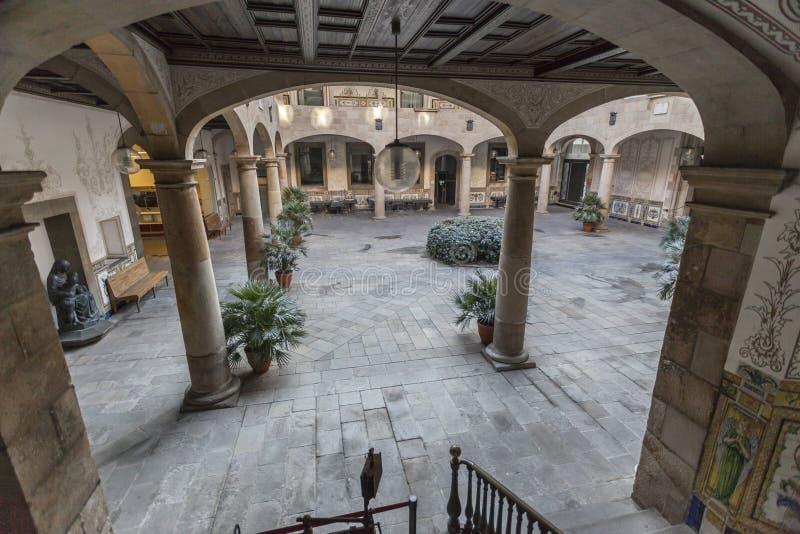古老庭院,供以人员的Pati,十八世纪,文化中心,中心Estudis我Recorsos culturals, El Raval处所,巴塞罗那 免版税库存图片