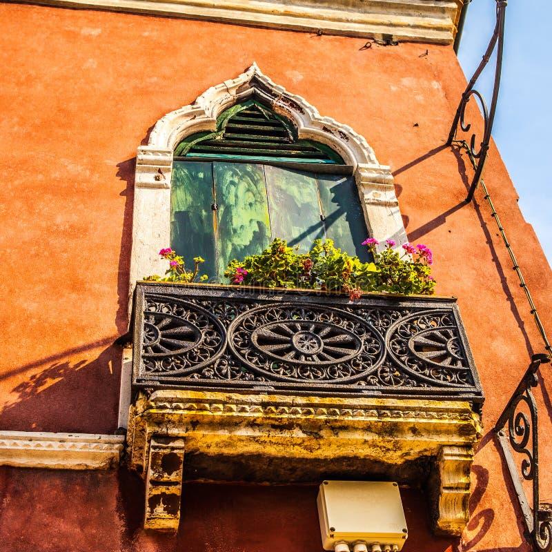 古老意大利传统窗口 免版税库存照片
