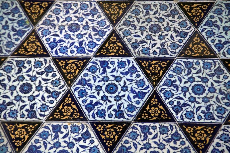 古老手工制造土耳其语Tiles.Very印象深刻的古老手工制造土耳其瓦片 库存图片
