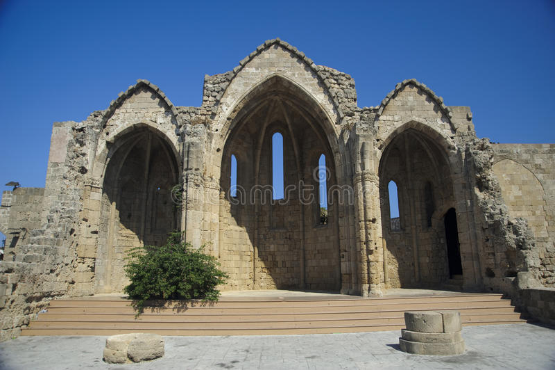 古老教会废墟 免版税库存图片